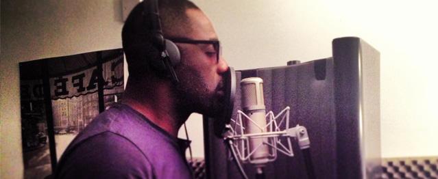 Nolan ficha la voz de Idris Elba