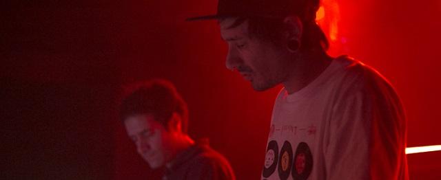 reykjavik_606Nuestro nuevo Beatcast es un directo grabado en el estudio del dúo vasco