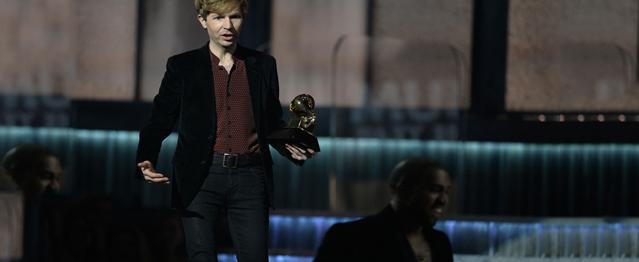 Kanye West la vuelve a liar en los Grammy