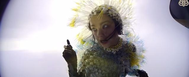 """Björk estrena precioso videoclip para """"Lionsong"""""""