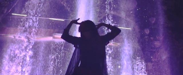 """Grimes comparte videoclip de """"REALiTi"""""""