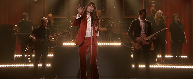 """Florence toca """"Ship To Wreck"""" en el programa de Fallon"""