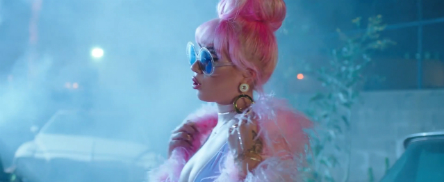"""Loner"", el vídeo pop de Kali Uchis"