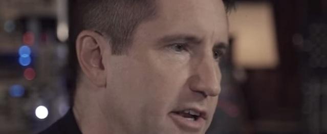 Trent Reznor habla de sintes y The Haxan Cloak pone la música