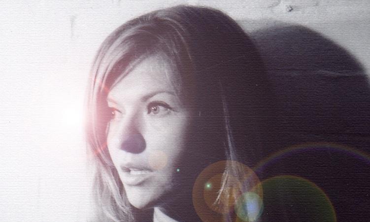 Still Corners insisten en su synth-pop sensual y precioso