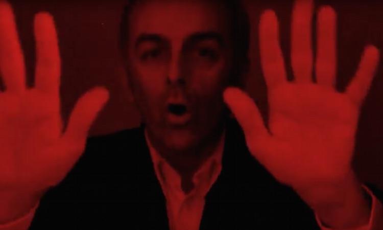 """Underworld estrenan un alocado videoclip para """"I Exhale"""""""