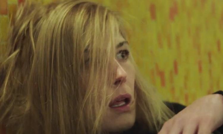 Massive Attack estrenan un retorcido videoclip