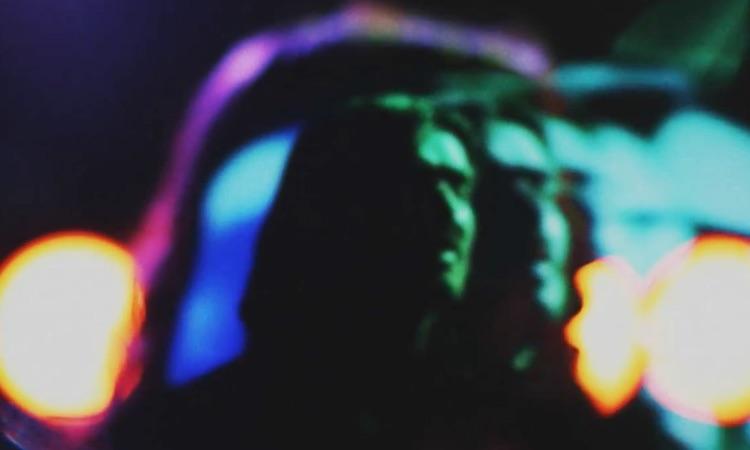 Bibio estrena un videoclip con una amplia variedad de trucos de luz y cámara