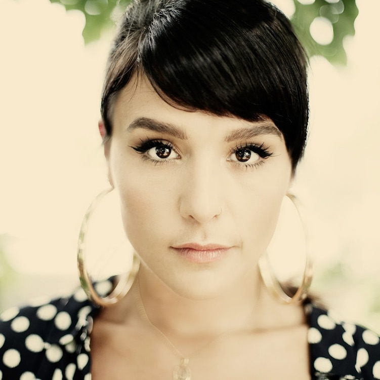 Jessie Ware contribuye a la banda sonora de un drama romántico