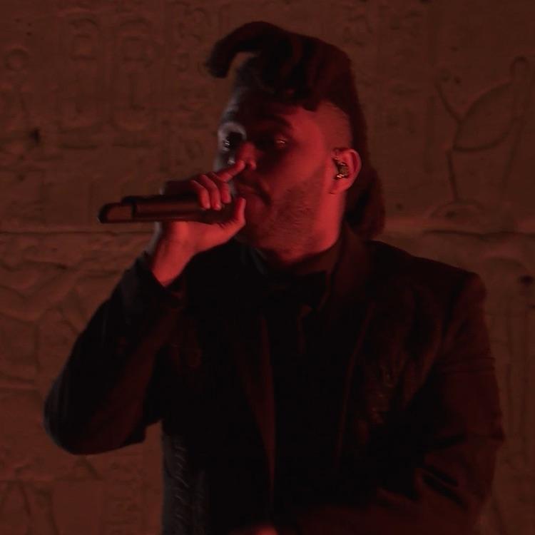 """The Weeknd canta """"Tell Your Friends"""" junto a Nas en la Met Gala"""