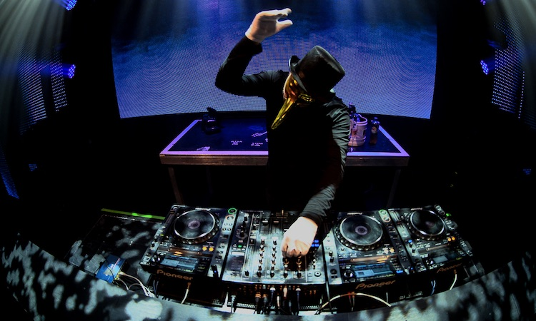 Brunch – In The Park se convierte en baile de máscaras con Claptone