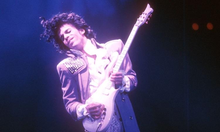 Celebra hoy el 'Día de Prince' vistiendo de púrpura