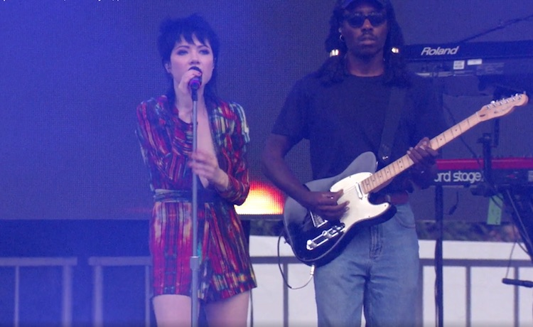 Mira a Blood Orange en directo (con y sin Carly Rae Jepsen)