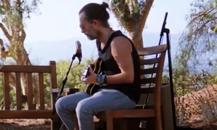 Thom Yorke, Jonny Greenwood y una CR-78 en el nuevo vídeo de Radiohead