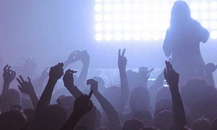 Future beats, sonidos urbanos y mutaciones pop, nace el inquieto club Fuego