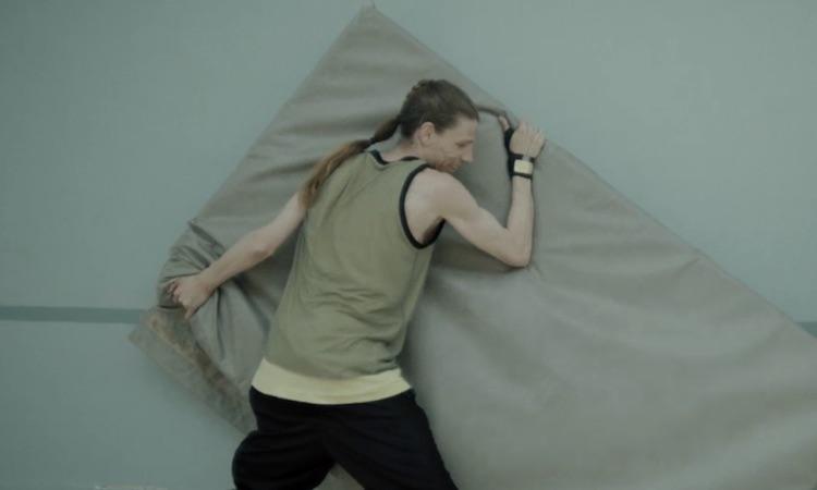 """Estrenamos el nuevo videoclip de Trentemøller para """"Complicated"""""""