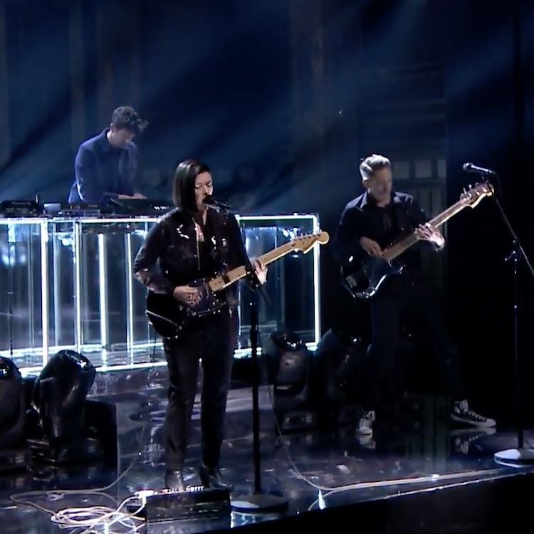 "The xx llevan su ""Say Something Loving"" al show de Jimmy Fallon"