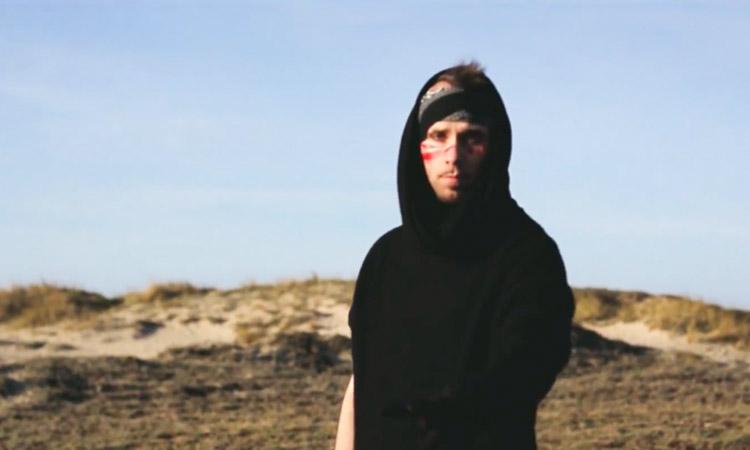 D.L. Blando vuelve junto a horror.vacui en un track de futurismo glitch