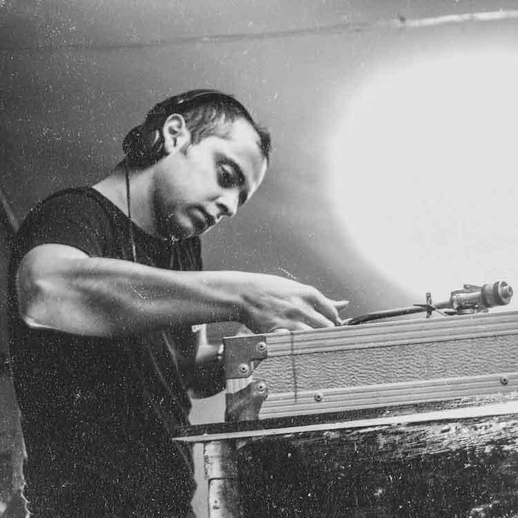 Sunil Sharpe, un ejemplar valor del techno underground en Stardust
