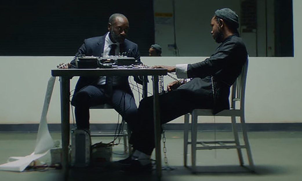 """Kendrick Lamar contagia su verdad a Don Cheadle en el videoclip de """"DNA"""""""