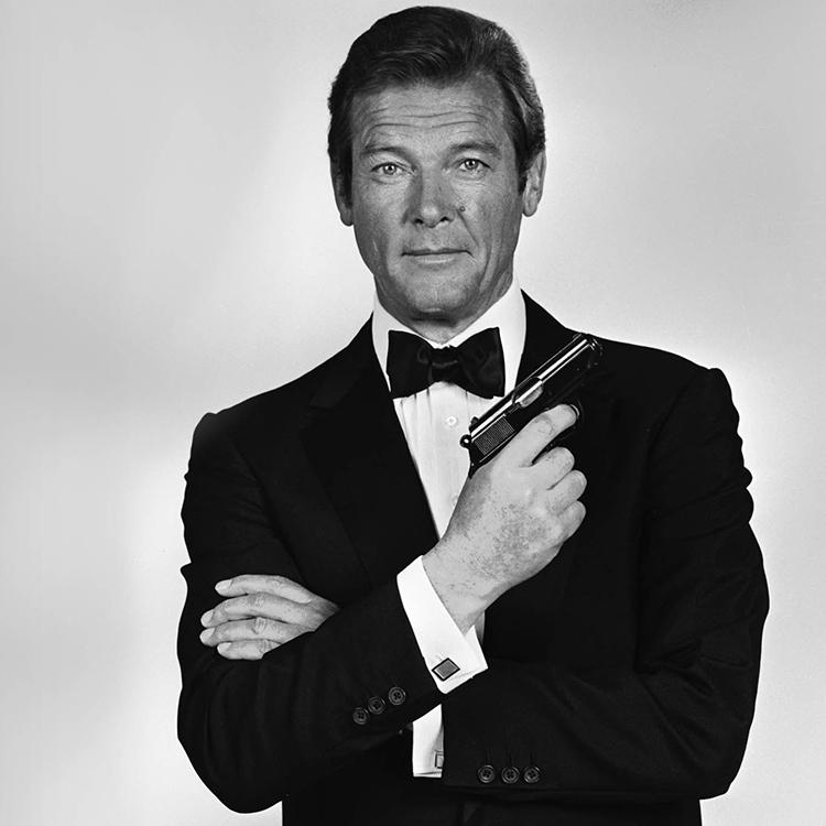 Ha muerto Sir Roger Moore, el James Bond de los 70
