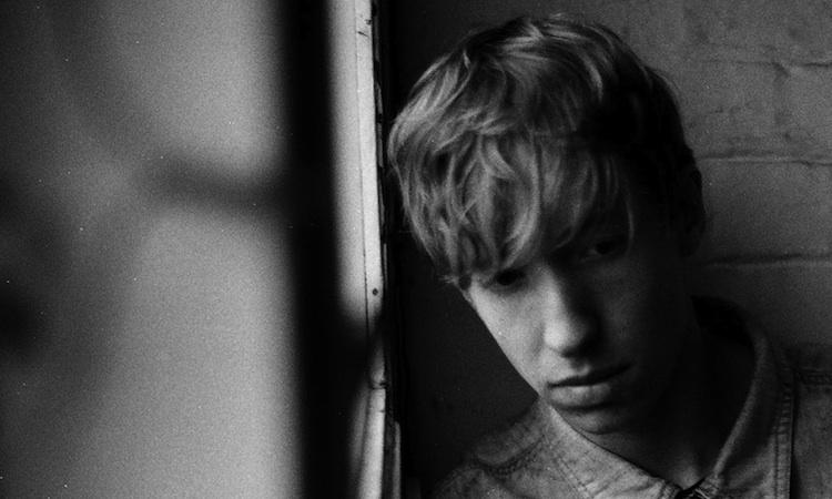 Daniel Avery vuelve en abril con su primer disco en cinco años