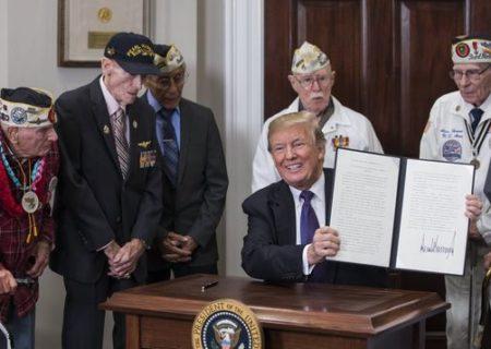 Donald Trump a favor de tratar a los veteranos de guerra con ketamina