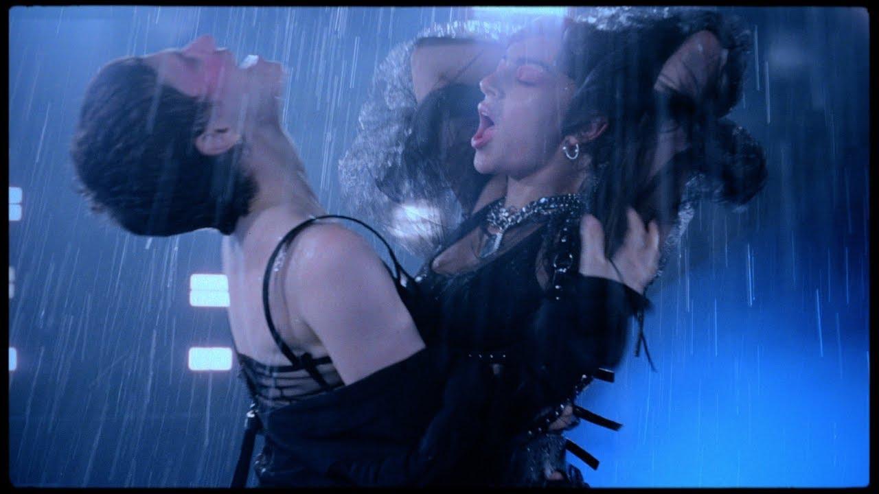 Charli XCX y Christine & The Queens sirven el hit que le faltaba al verano