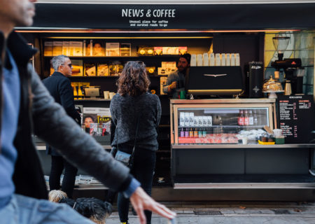 News and Coffee es un nuevo concepto de quiosco pionero en Barcelona